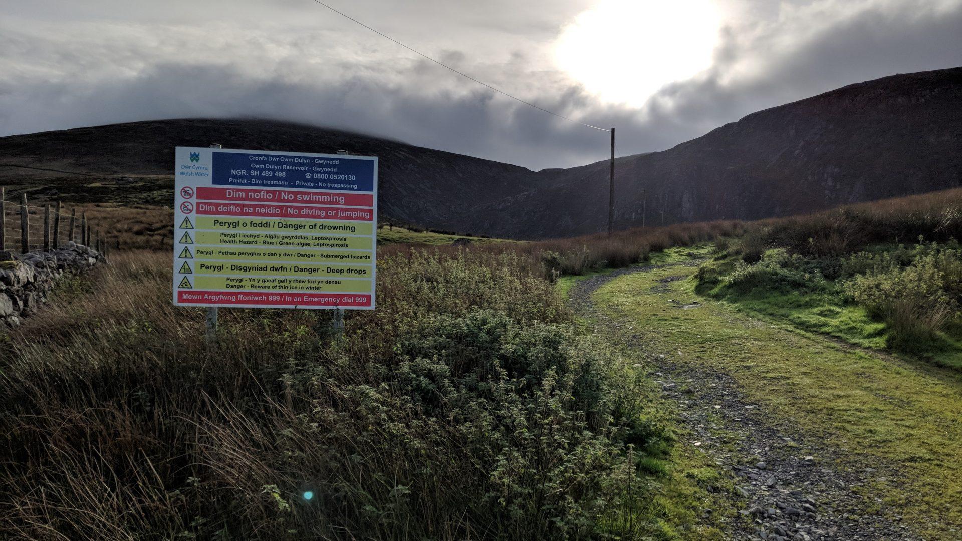Llyn Cwm Dulyn Signage