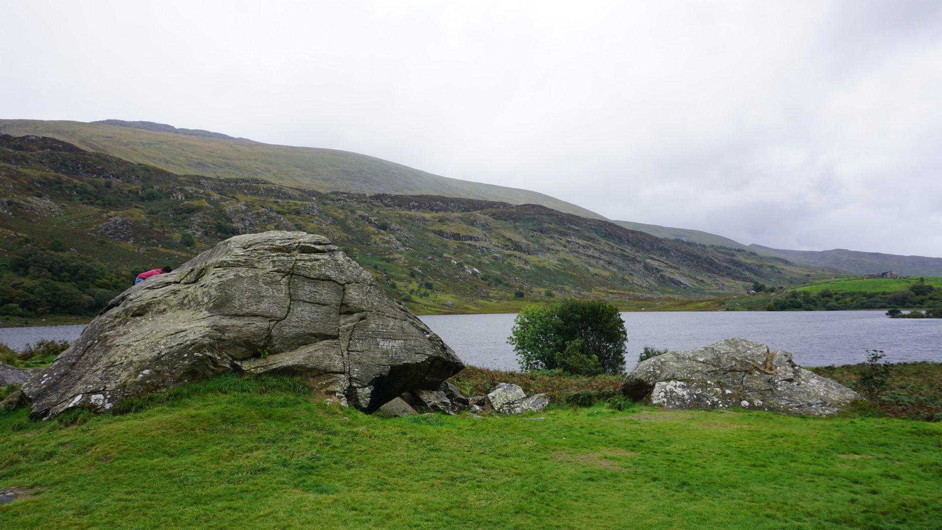 Llynau Mymbyr Rocks